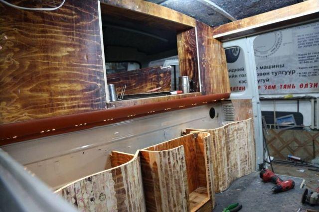 Как выглядит УАЗ-буханка после монгольского тюнинга