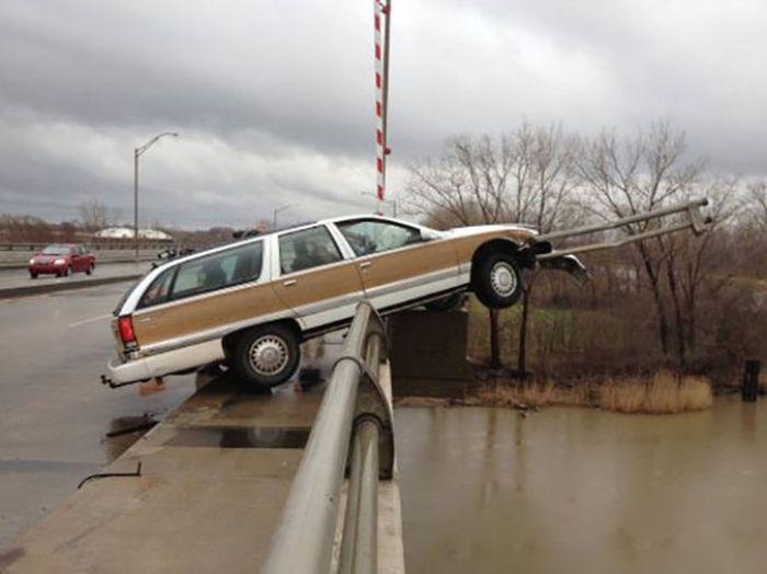 Самые нелепые казусы с автомобилями