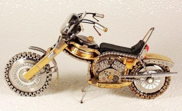 Как сделать мотоцикл из часов?