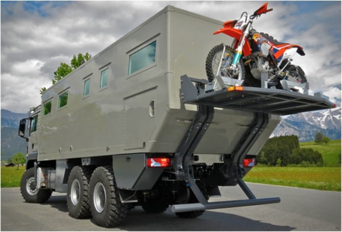 Фургон, в котором можно пережить конец света