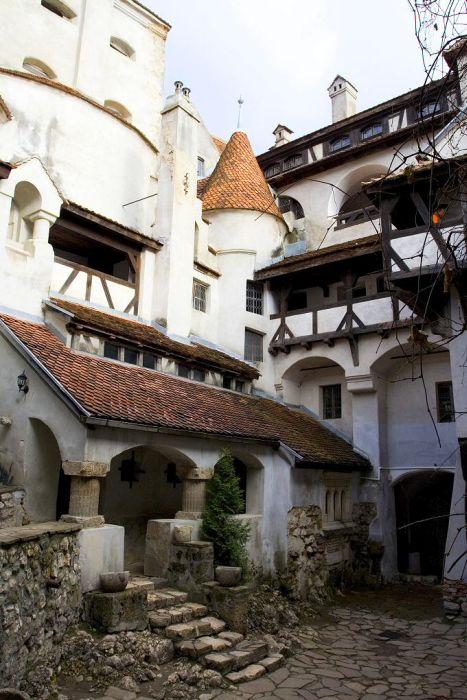 Замок, в котором жил граф Дракула