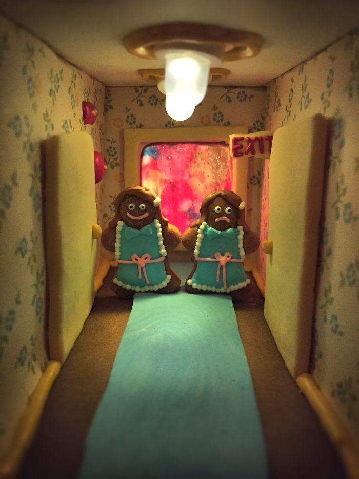 Фанаты фильмов ужасов создают сцены из фильмов в пряничных домиках
