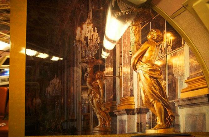 Как выглядят электрички в Версале