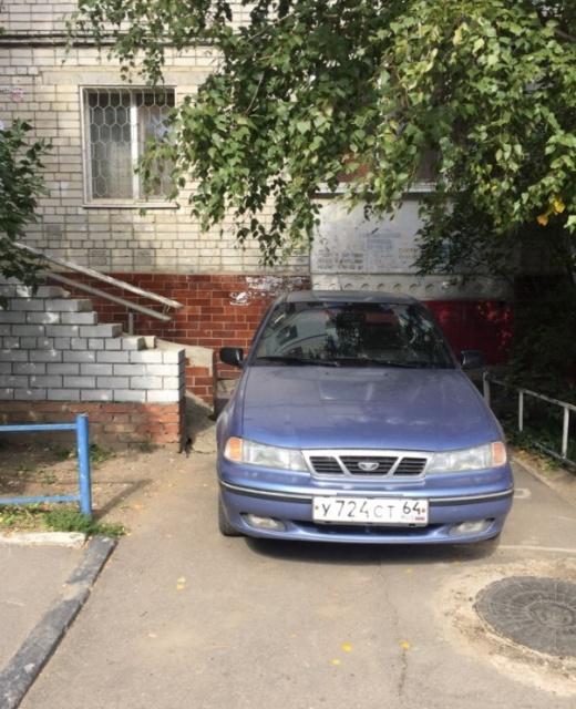 Паркуюсь где хочу и как хочу - подборка автоприколов