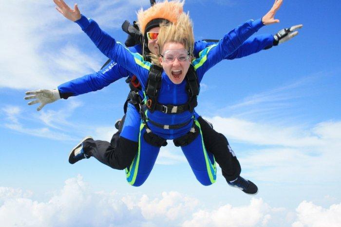 Зачем прыгать с парашютом?